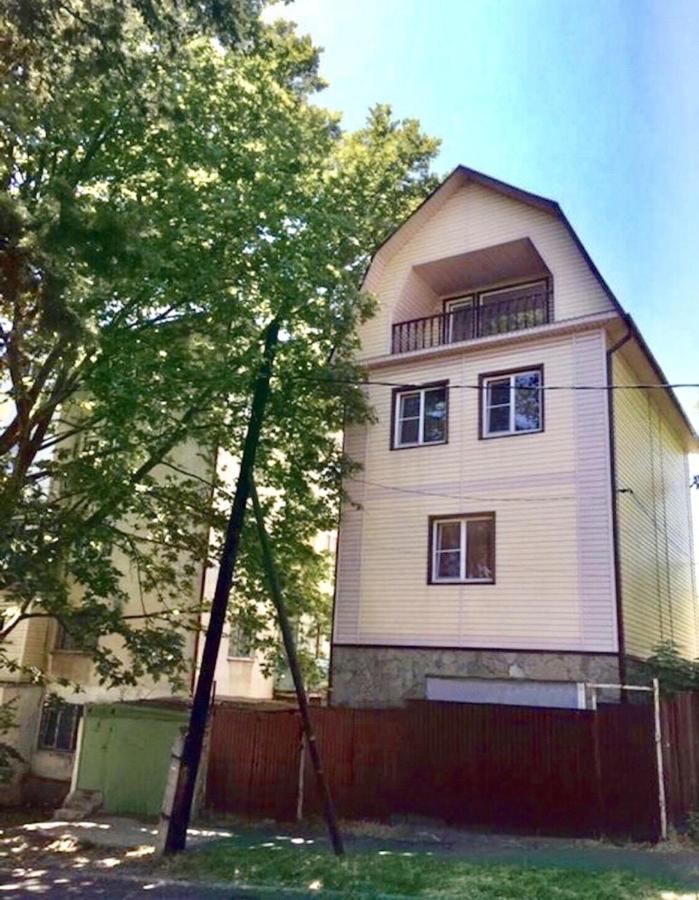 Фото  Гостевой дом  Дом в центре города