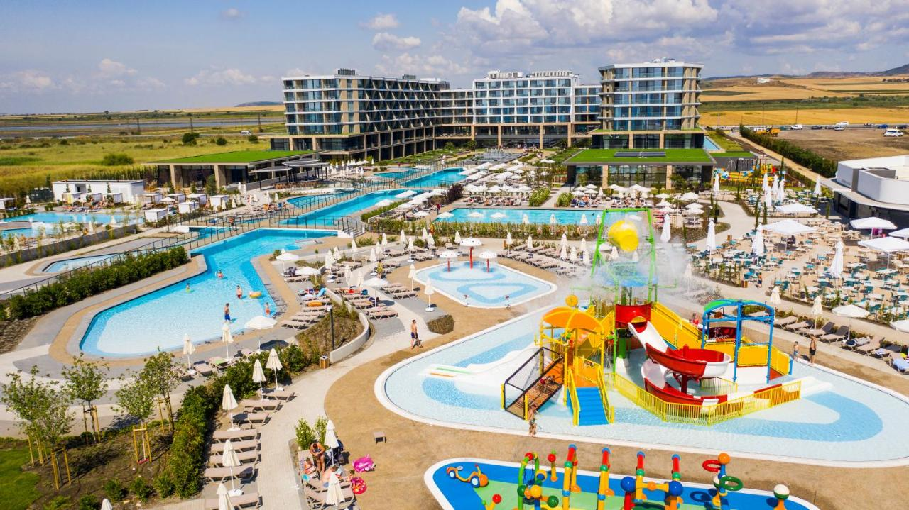 Курортный отель  Wave Resort - Ultra All Inclusive