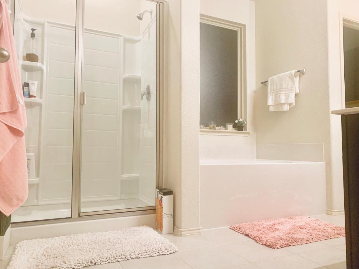Zobraziť ceny. 211 recenzií Country Inn & Suites by Radisson, DFW Airport South, TX.