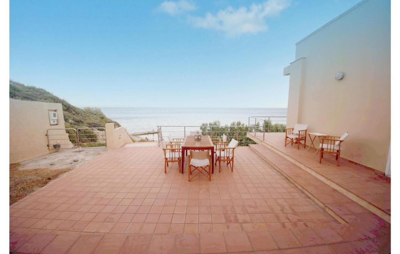 Фото  Дом для отпуска  Four-Bedroom Holiday Home In Agios Amilianos Chios