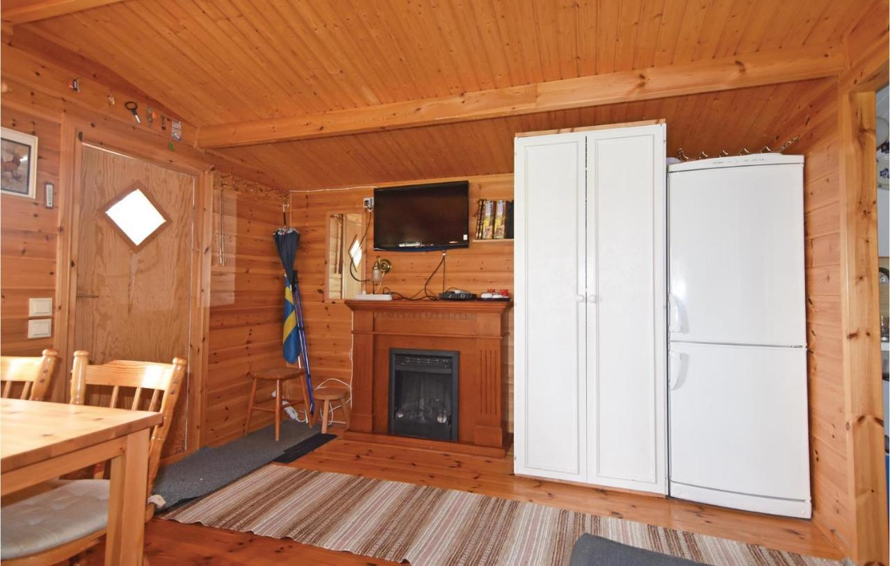 Charmigt sjnra 1800-tals torp - Cabins for Rent in Sexdrega
