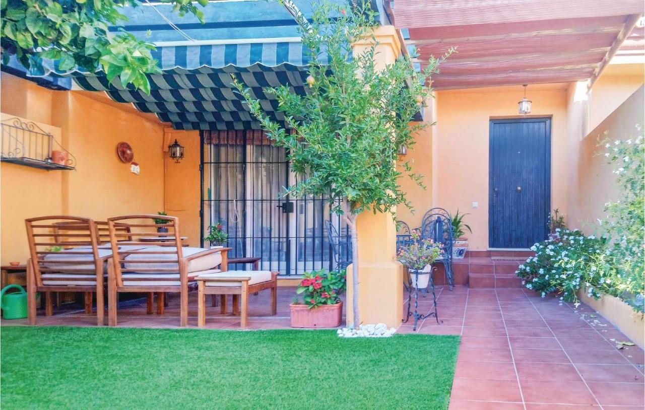 Дом для отпуска  Four-Bedroom Holiday Home In El Puerto De Sta Maria