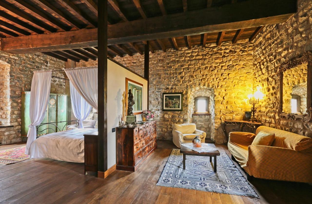 Prenota online Dimora d'epoca Castel dell'Aquila