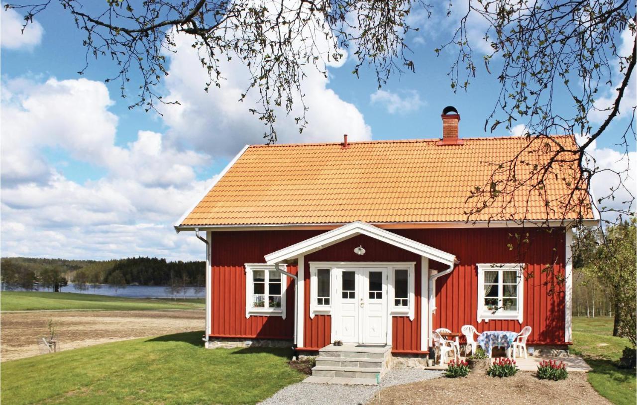 Trolldalen, Dalsland, Sweden | Cottage with forsaken land. T
