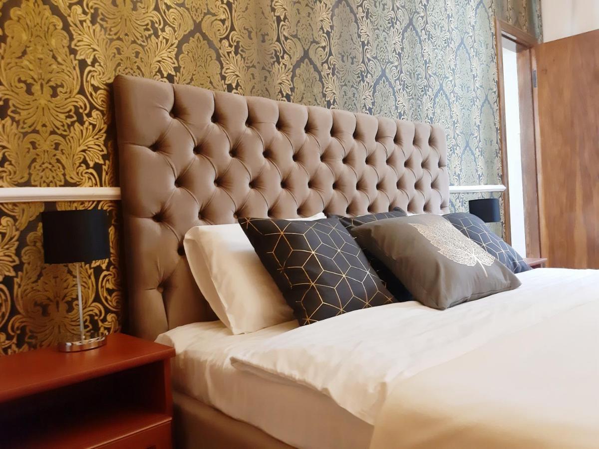 Мини-гостиница  Kavaler Inn Hotel