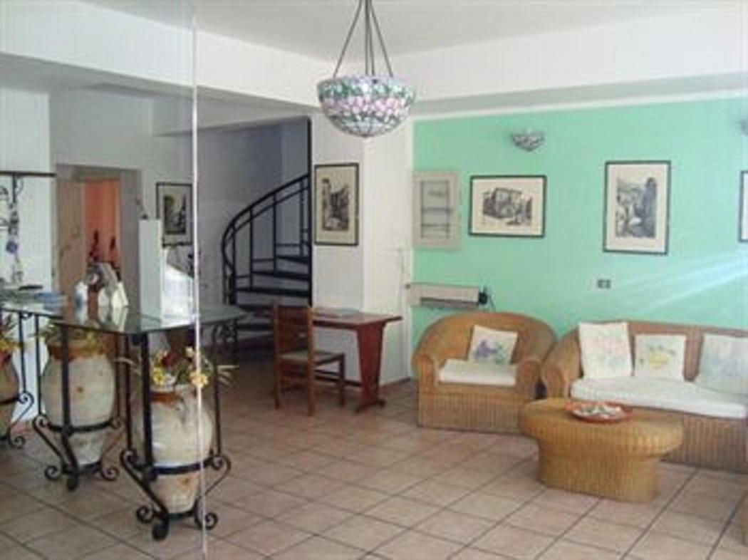 Отель типа «постель и завтрак»  B&B La Grotta