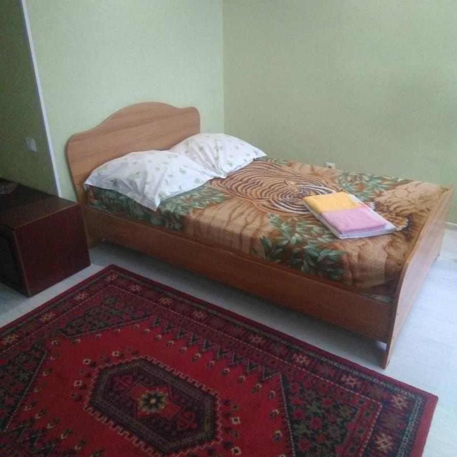 Фото  Апартаменты/квартира  Apartment On Sakhyanovoy 23