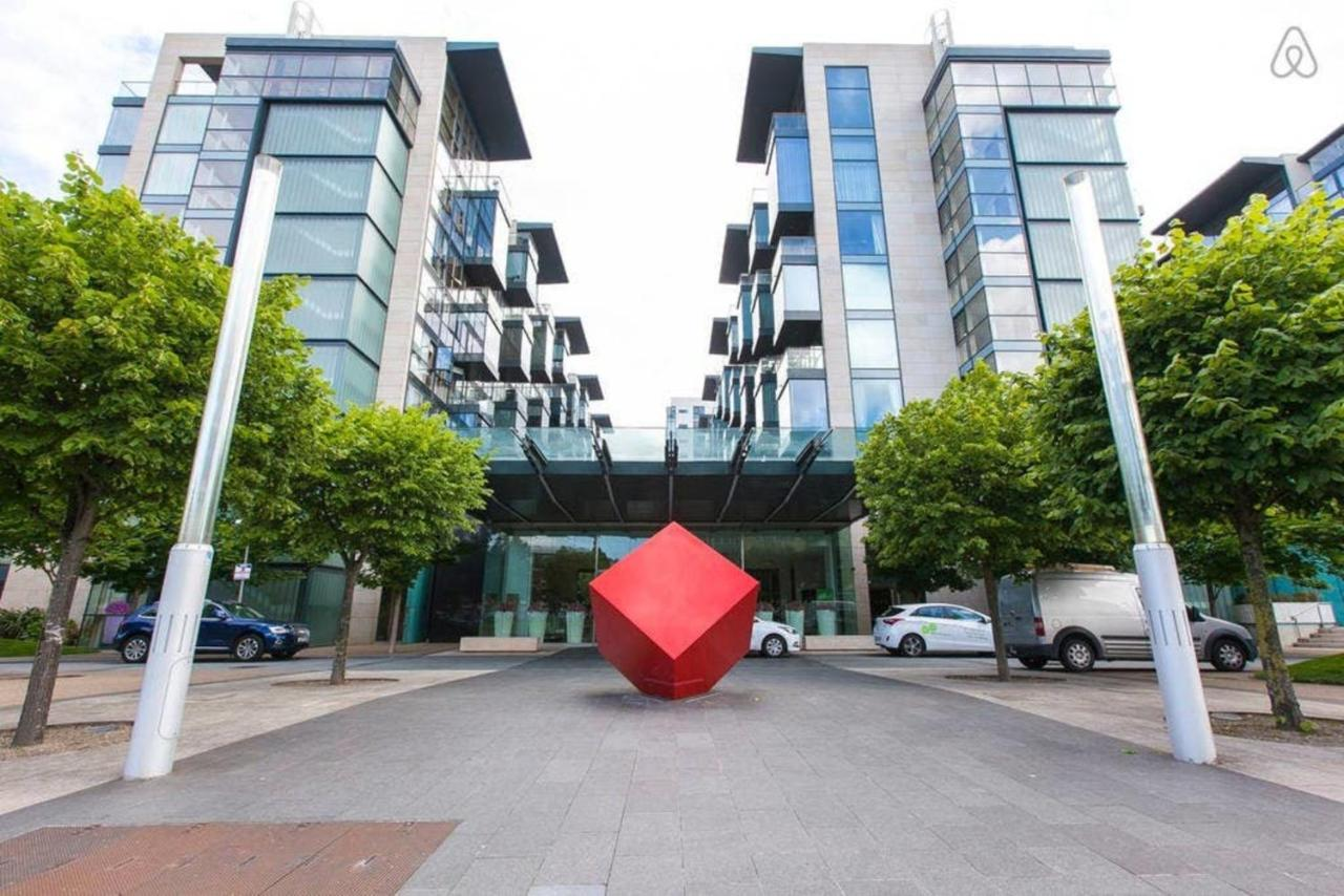 Dundrum Town Centre to Sandyford - 3 ways to travel via line