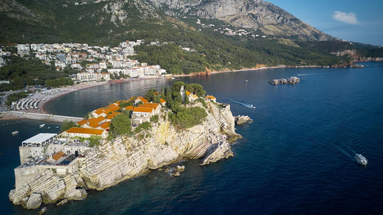 Апартаменты/квартира  Sveti Stefan Sea View Large Apartment