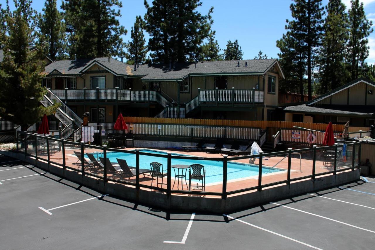 Отель  Fireside Lodge