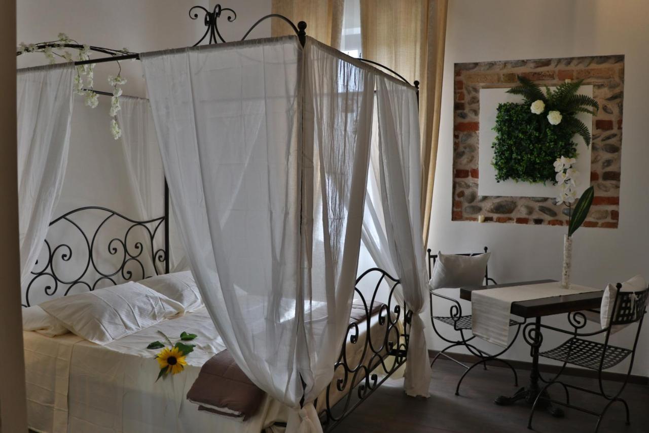 Letto A Castello Proserpio.B B Castello Di Cavaione Truccazzano Italy Booking Com