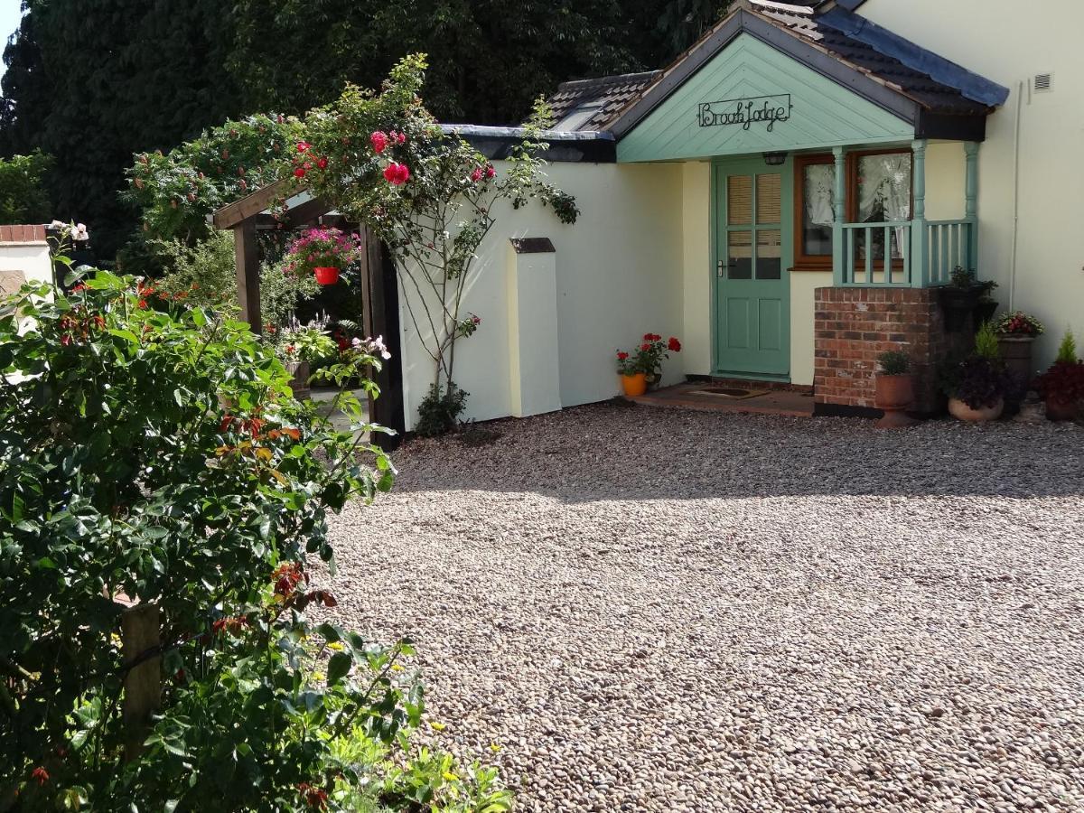 Дом для отпуска  Brook Lodge Country Cottage