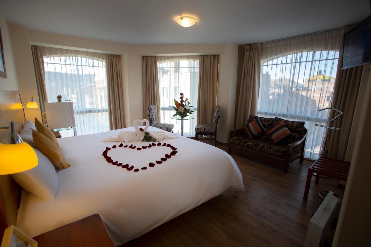 Отель  Sol Plaza Hotel
