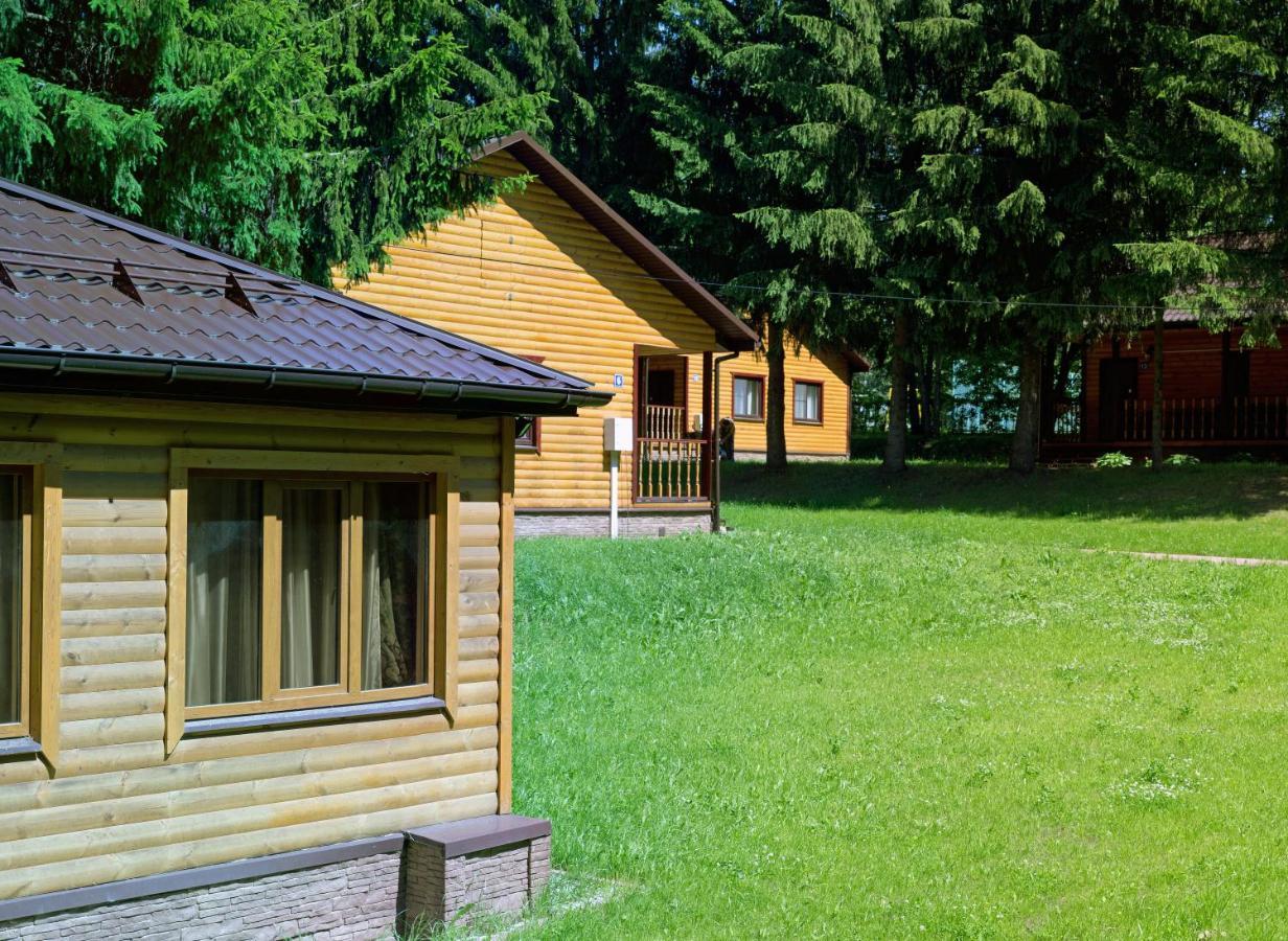 Гостевой дом  Загородный Клуб Флора Парк