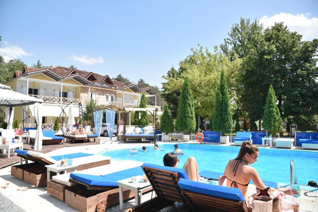 Фото  Отель  Krikonis Hotel