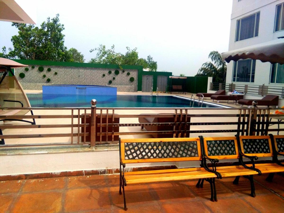Отель  Shiv Vilas Palace