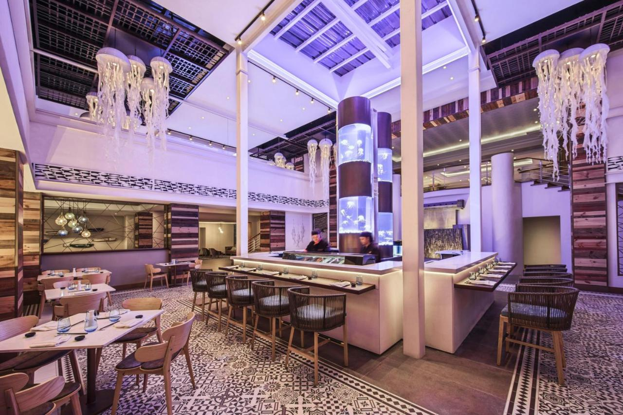 Отель  Le Suffren Hotel & Marina