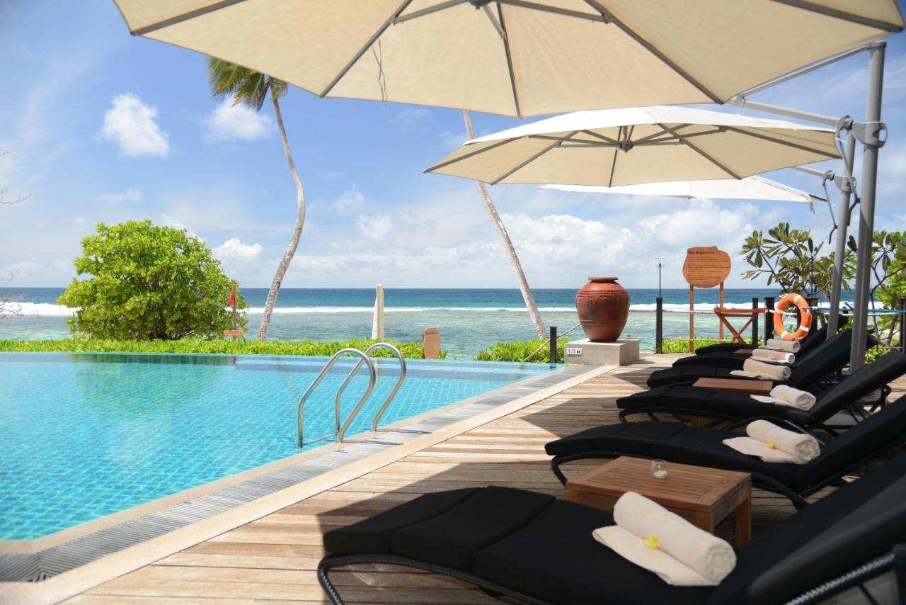 Басейн в DoubleTree by Hilton Seychelles Allamanda Resort & Spa або поблизу