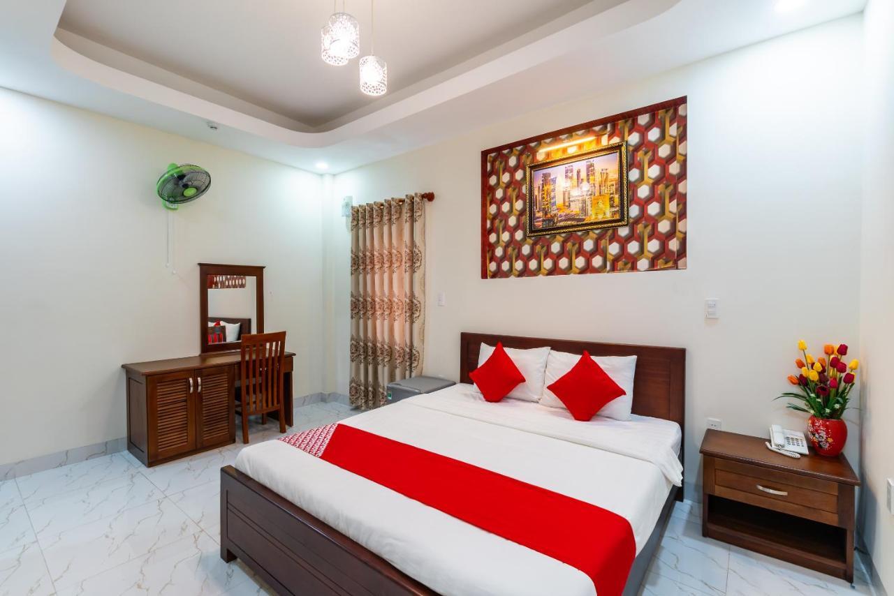 Отель  OYO 396 Merry Palace Hotel