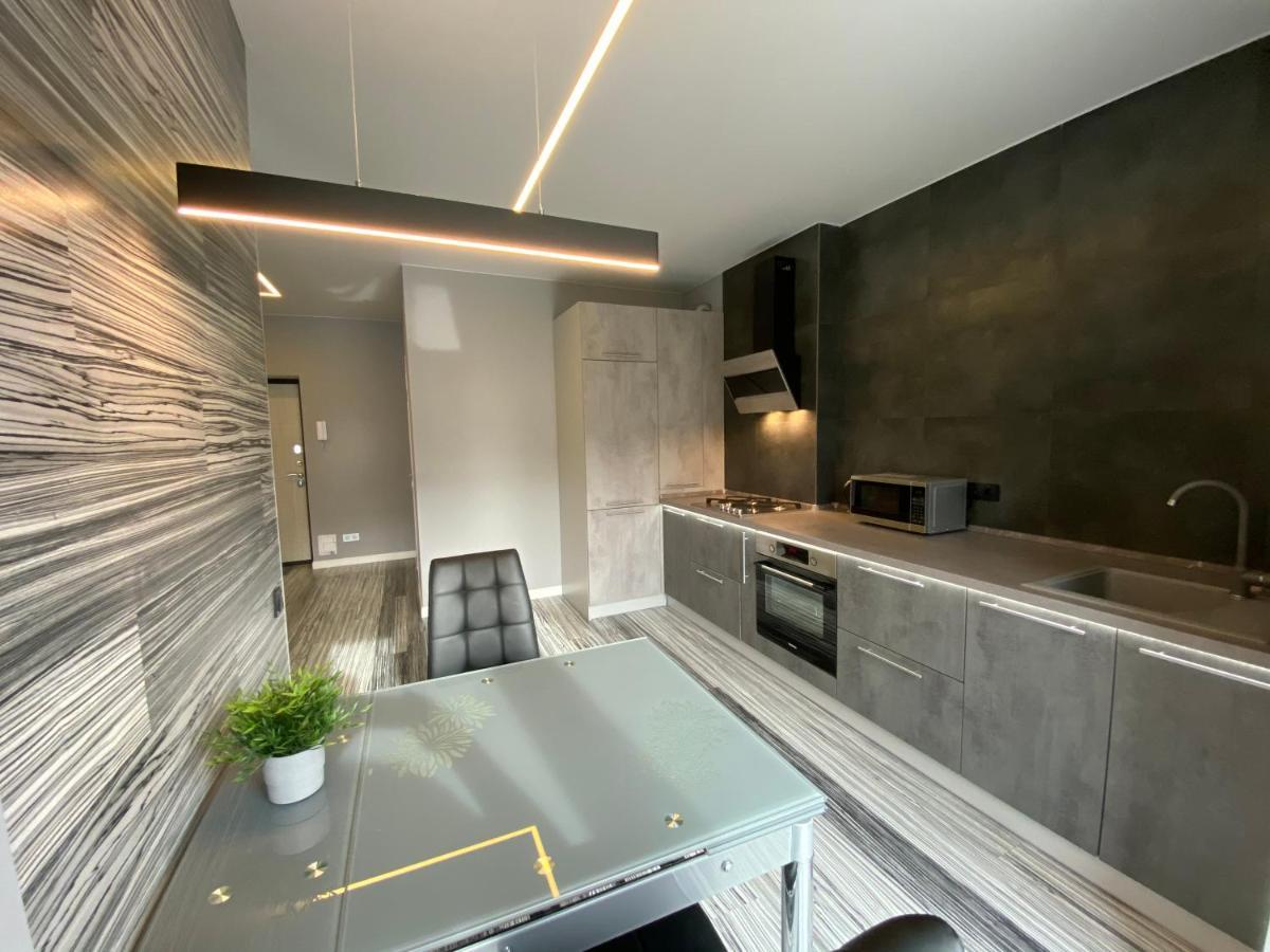 Фото  Апартаменты  Стильные апартаменты Black And White на 4 персоны