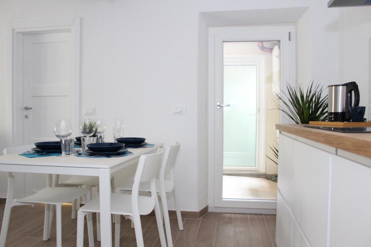 Artigiano Della Sedia Bologna art apartment borgo stella, florence, italy - booking