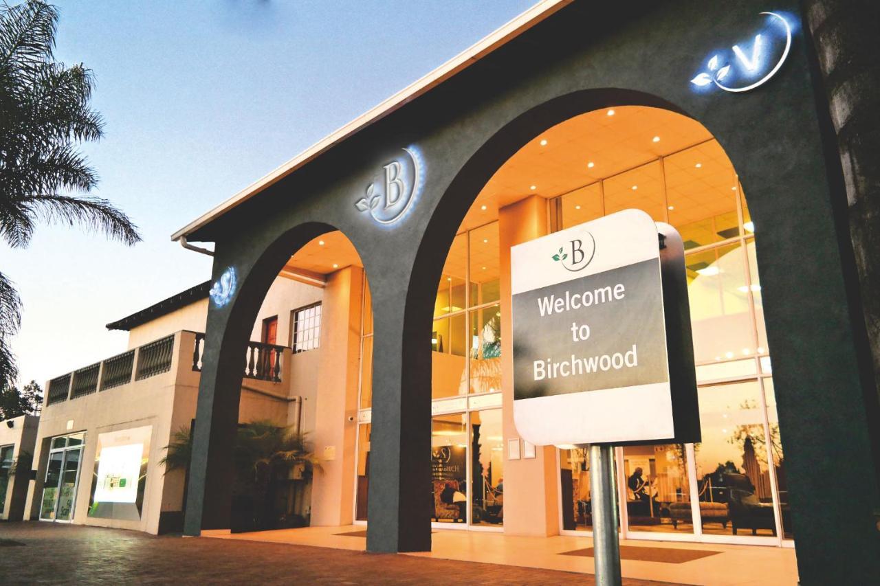 Отель  Birchwood Hotel And OR Tambo Conference Centre