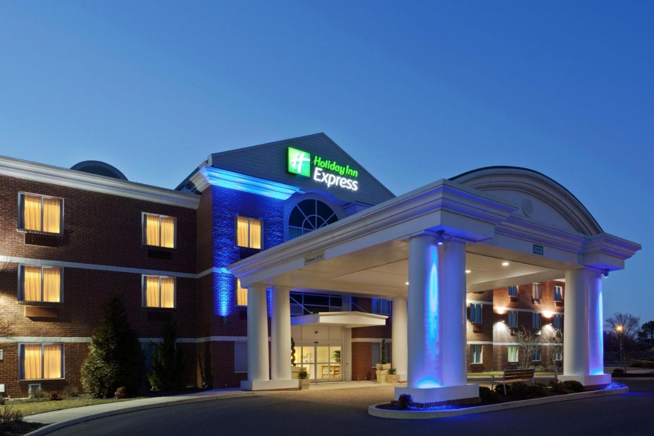 Отель  Holiday Inn Express Hotel & Suites Salisbury - Delmar