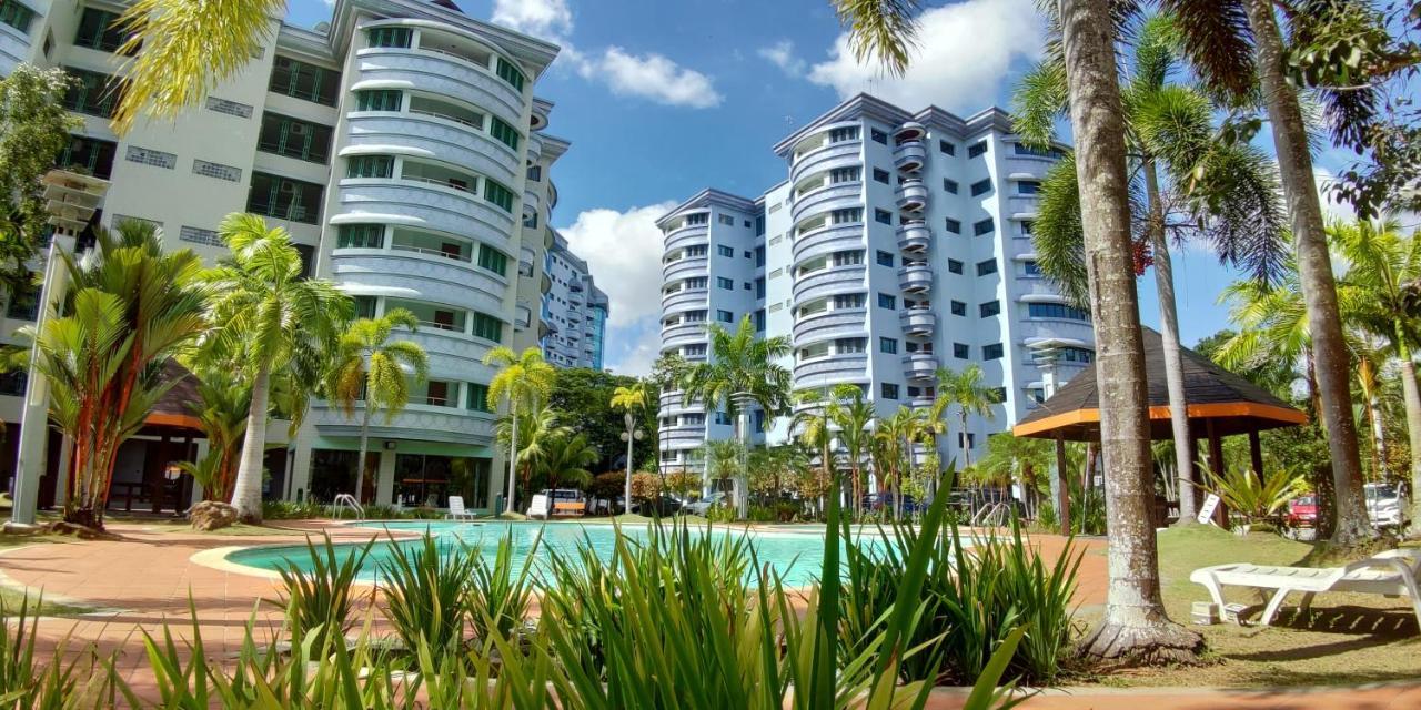 Апартаменты/квартиры  Rimbun Suites & Residences