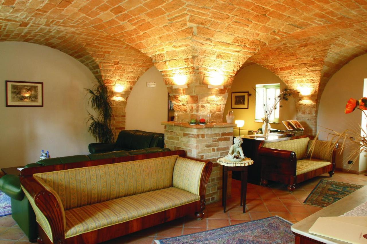 Studio Fotografico Civitanova Marche hotel san claudio, corridonia, italy - booking