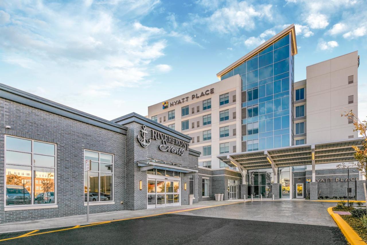 Отель  Отель  Hyatt Place Wilmington Riverfront