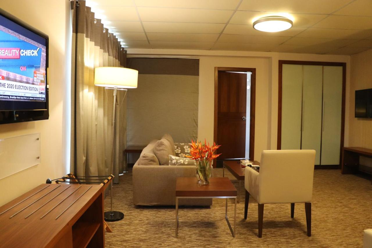 Отель  Mamba Point Hotel