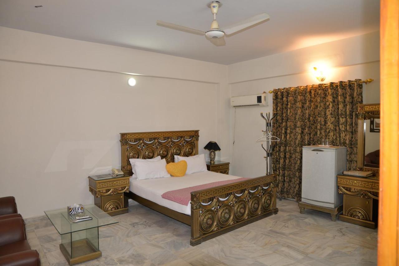 Step inn Guest House Sukkur