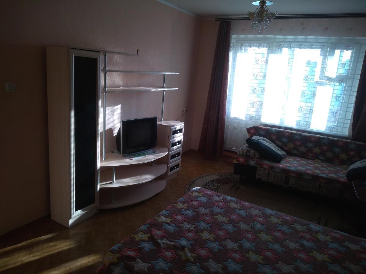 Апартаменты/квартира  Апартаменты на Перевёрткина 31