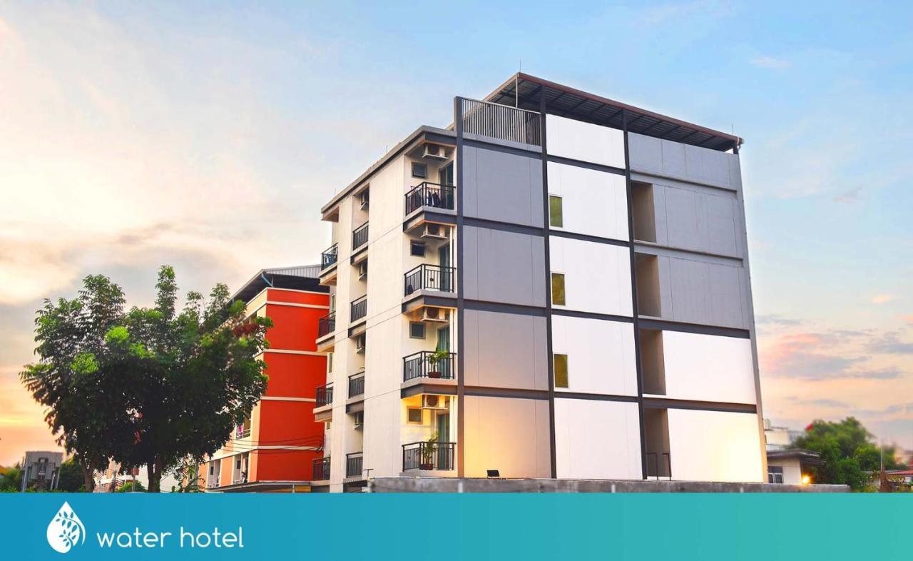 Отель  Water Hotel