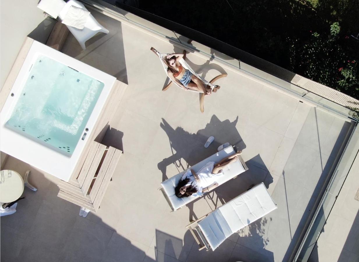 Вилла  Sea Front Suites, Maisonettes & Apartments