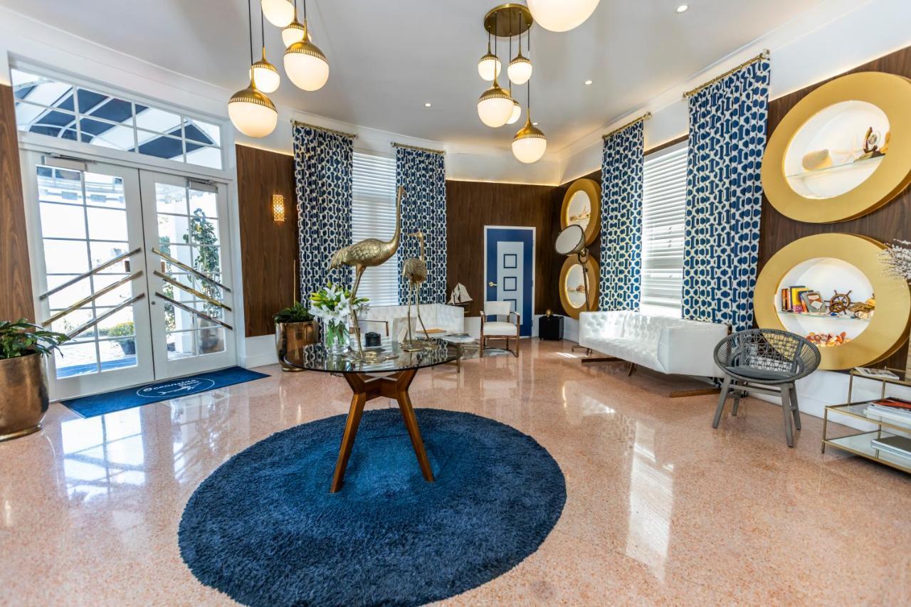 Отель  Oceanside Hotel And Suites