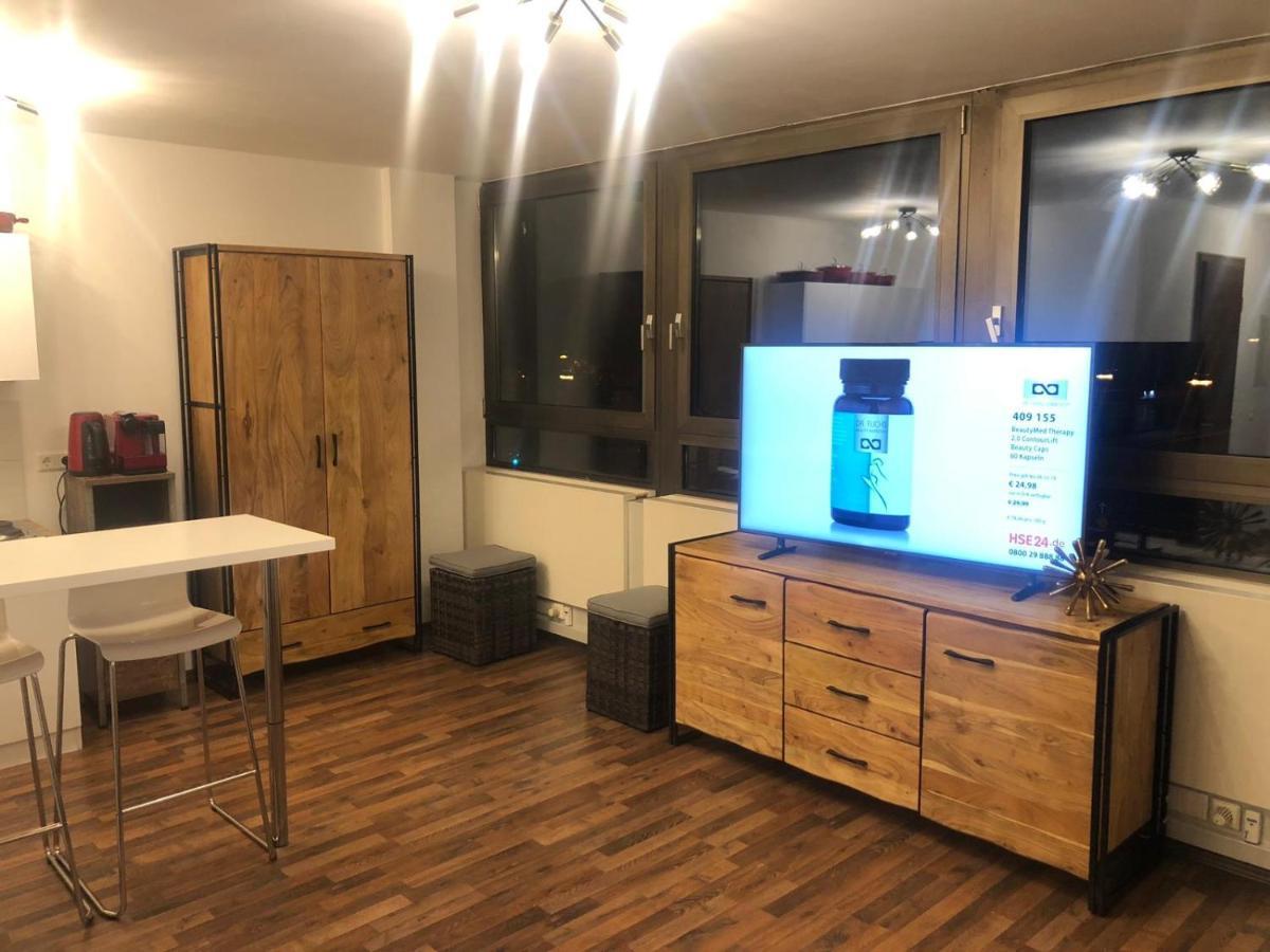 Prezzi Camere Da Letto Gotha luxury studio in the düsseldorf center, hallungen – prezzi
