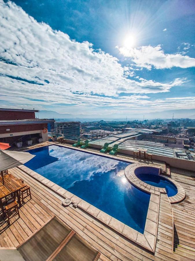 Отель  LATAM HOTEL Plaza Pradera Quetzaltenango