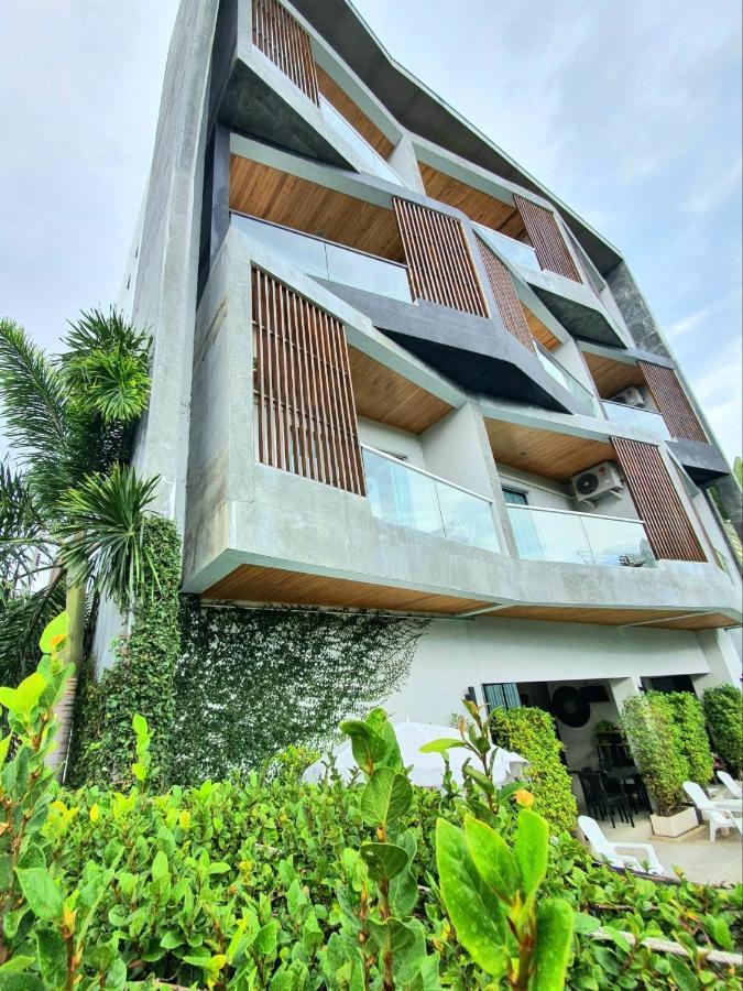 Фото  Отель  Lemonade Phuket Hotel