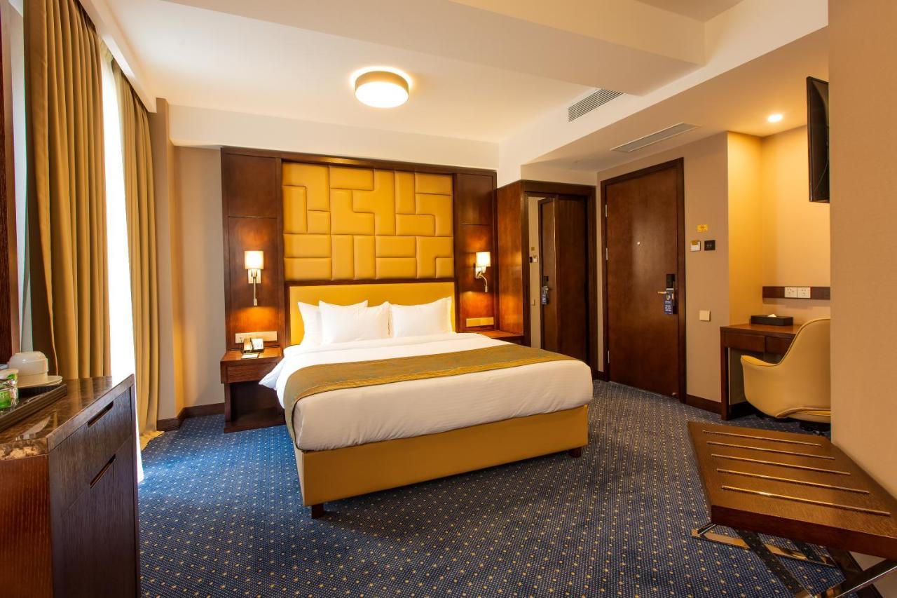 Отель  KMM Hotel