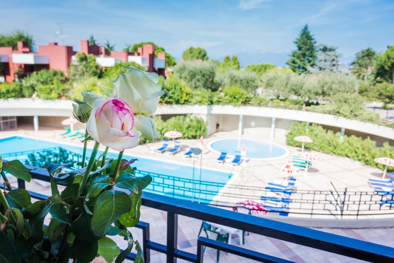 Отель  Hotel Residence Holiday