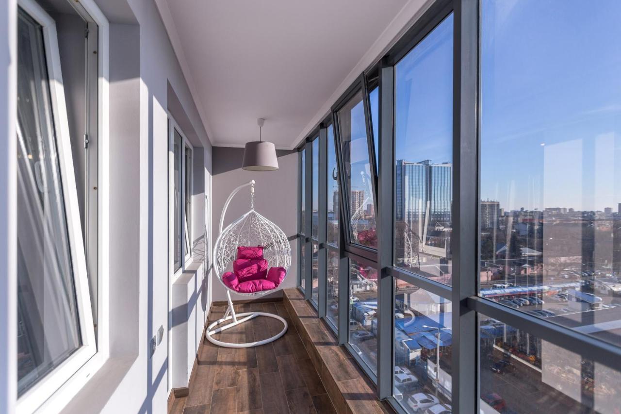 Фото  Апартаменты/квартиры  Апартаменты в центре рядом с Marriott и Crowne Plaza Hotels