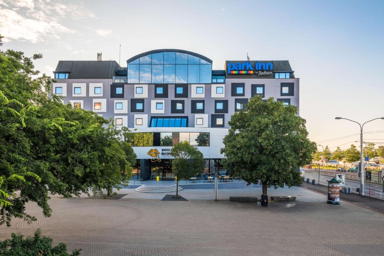 Отель  Park Inn By Radisson Danube Bratislava
