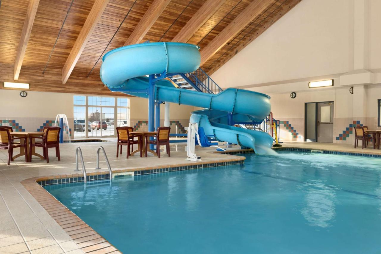 Отель  Отель  Country Inn & Suites By Radisson, Duluth North, MN
