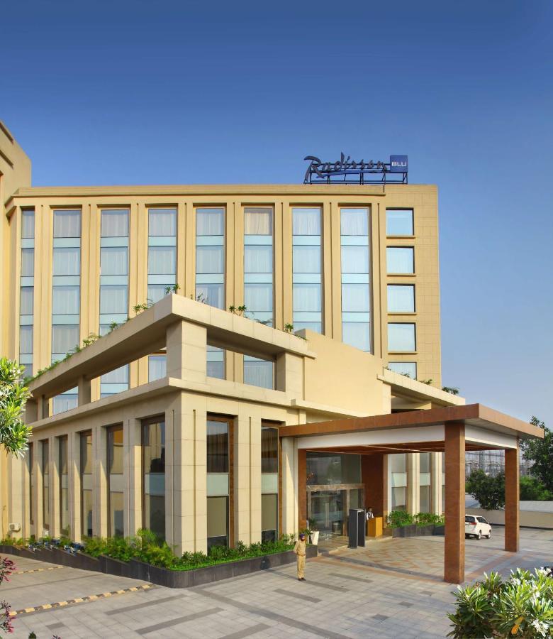 Отель  Отель  Radisson Blu Jammu