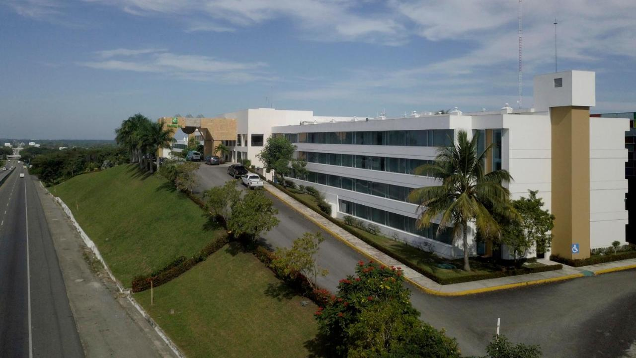 Отель  Holiday Inn - Villahermosa Aeropuerto