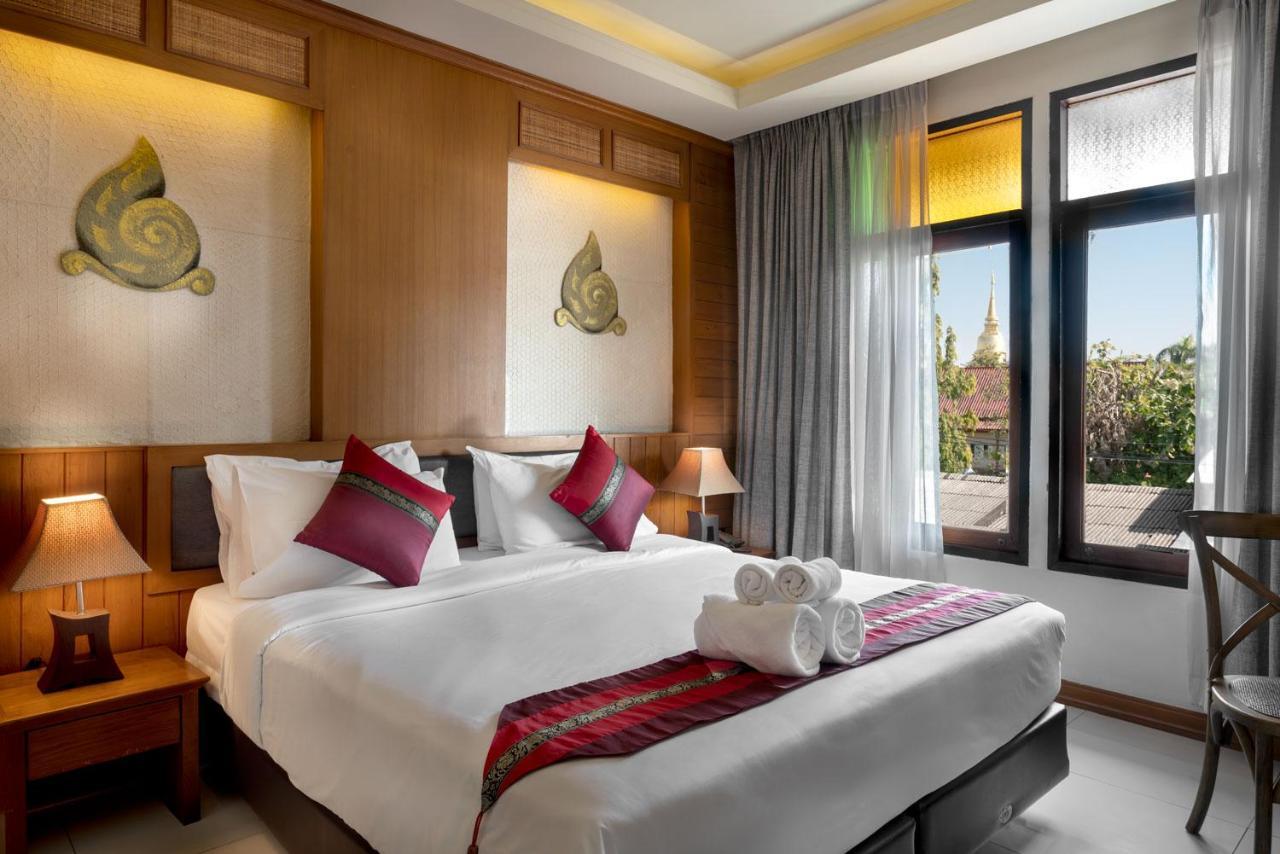Отель  Lee Chiang Hotel