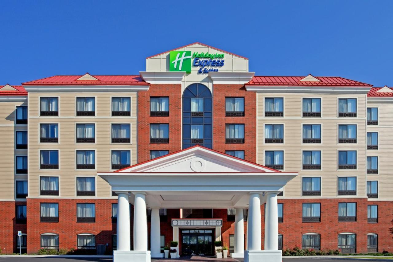 Отель  Holiday Inn Express & Suites Albany Airport Area - Latham