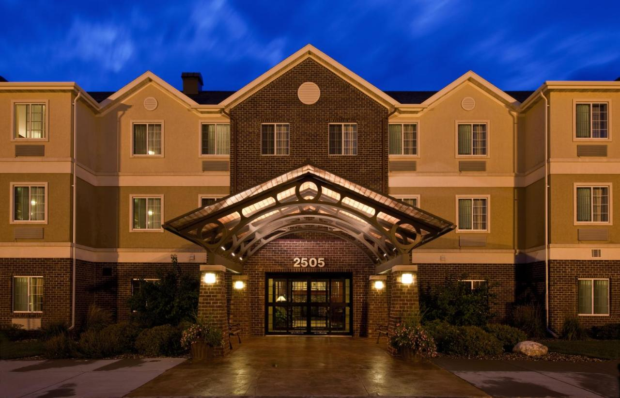 Отель  Отель  Staybridge Suites Sioux Falls At Empire Mall