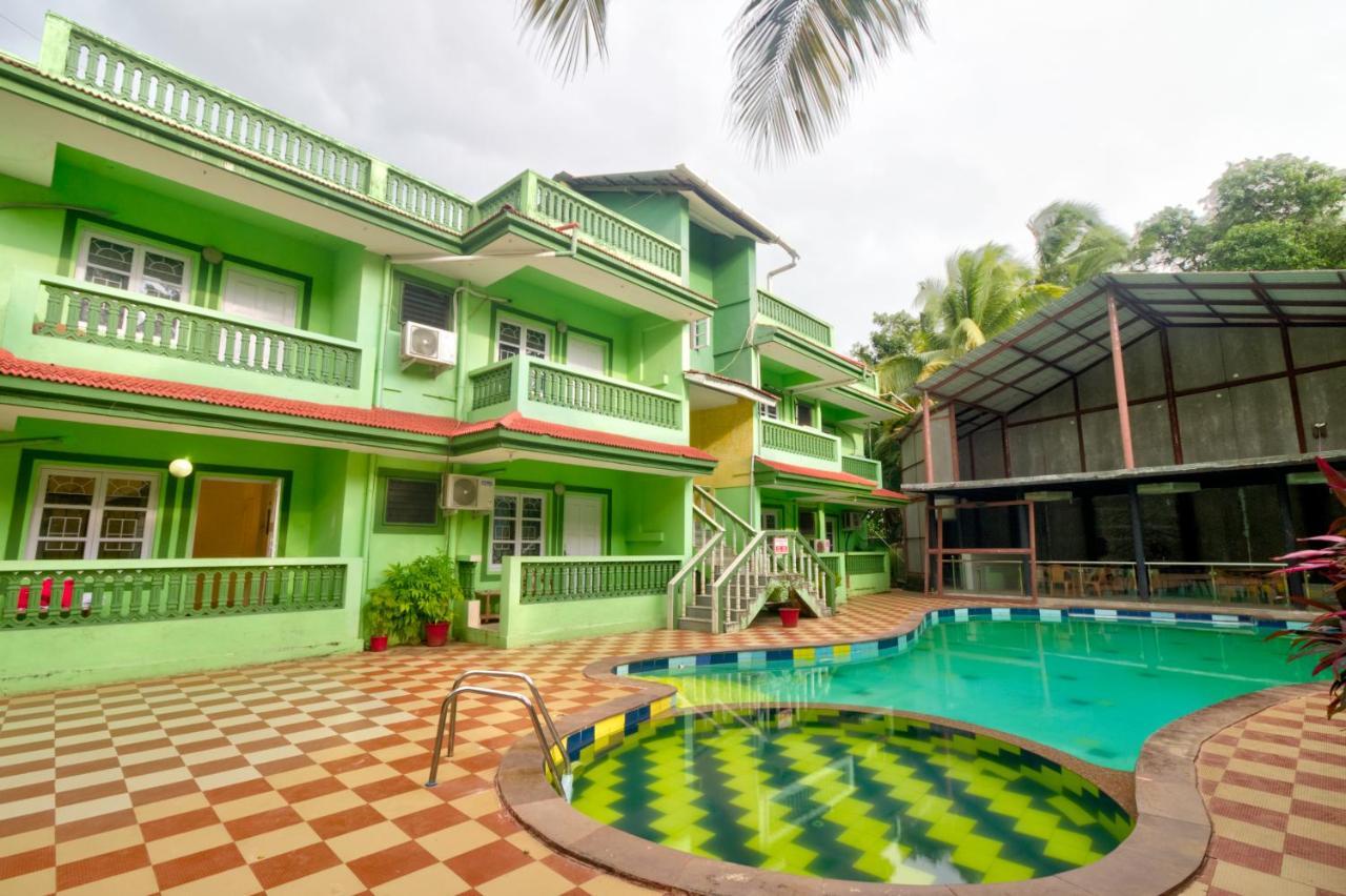Курортный отель  Flam Fire Resort